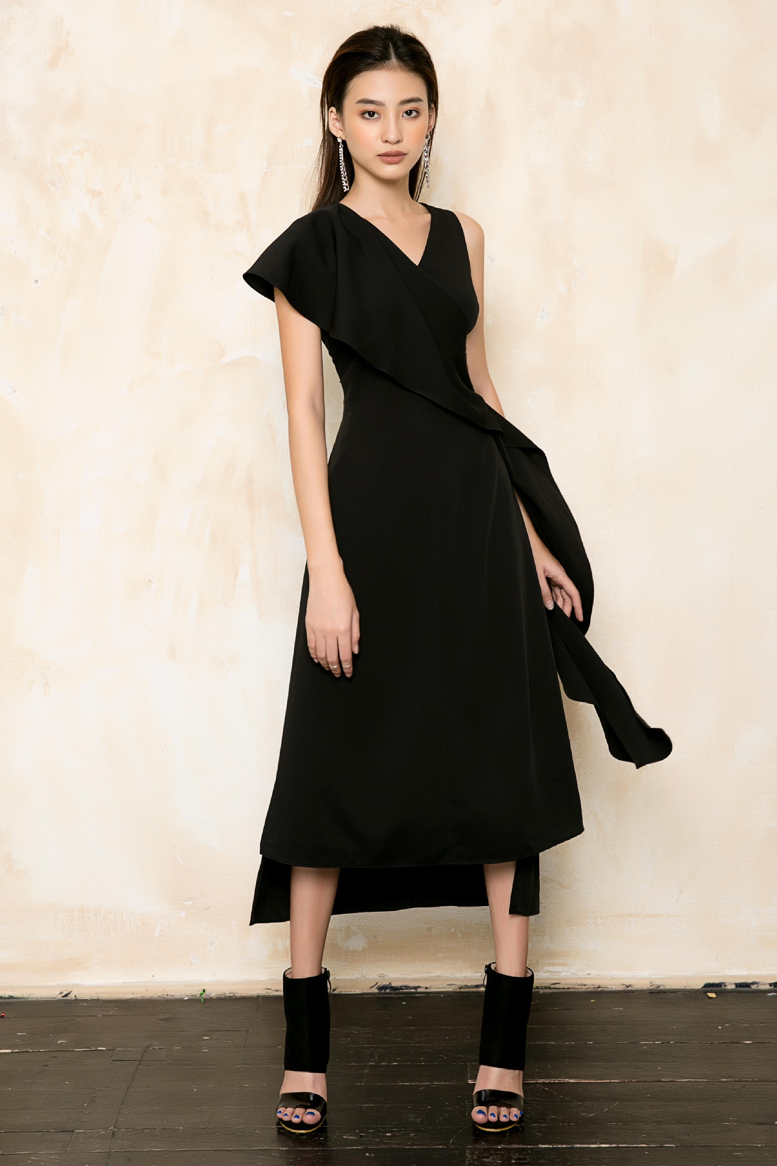 V719 - Váyđầm ôm A silk lạnh thiết kế khăn choàng lệch vai - Nude, Đen - Bely