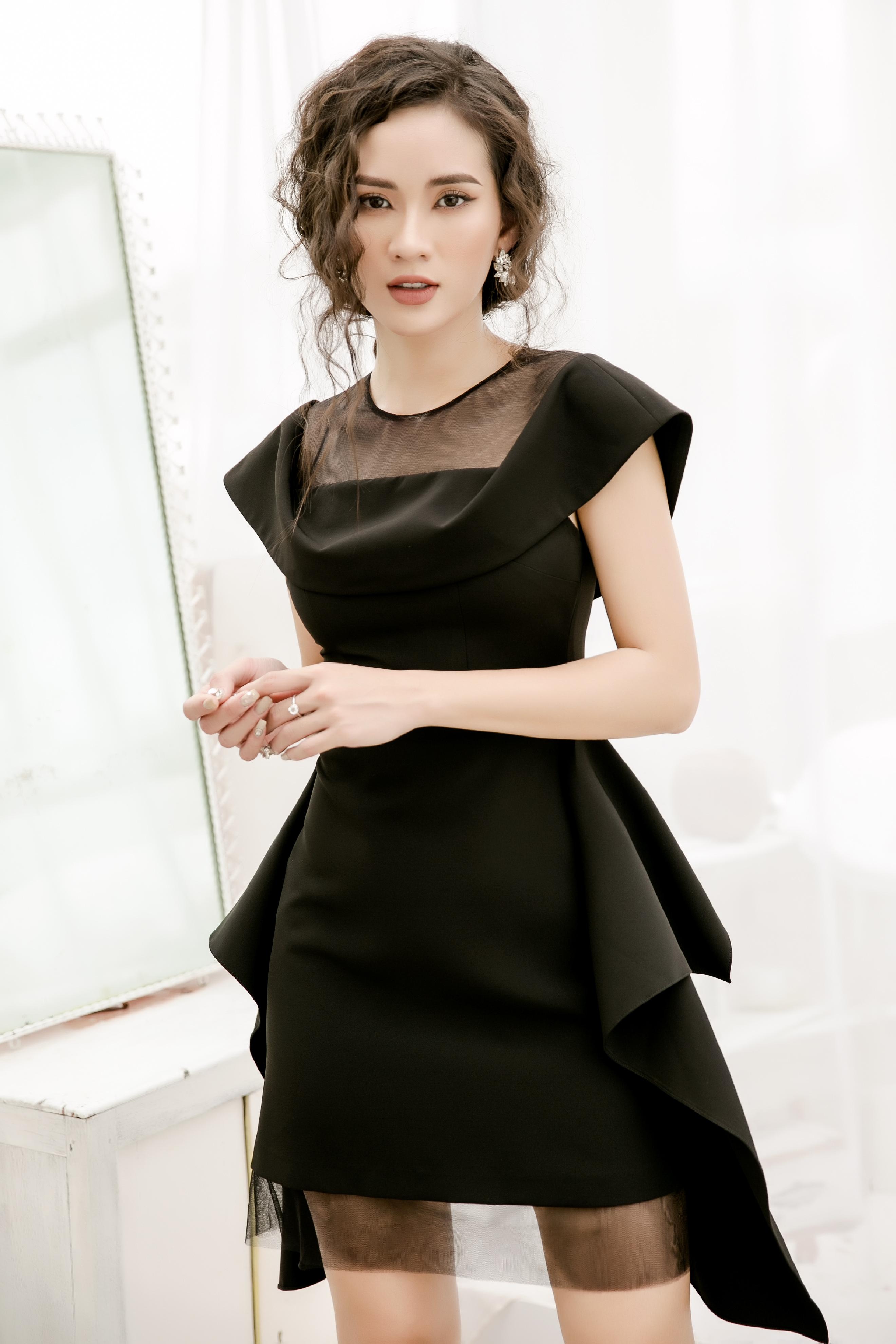 V585 - Váy đầm ôm A tạo khối thiết kế trễ vai pha lưới - Đen, Trắng - Bely
