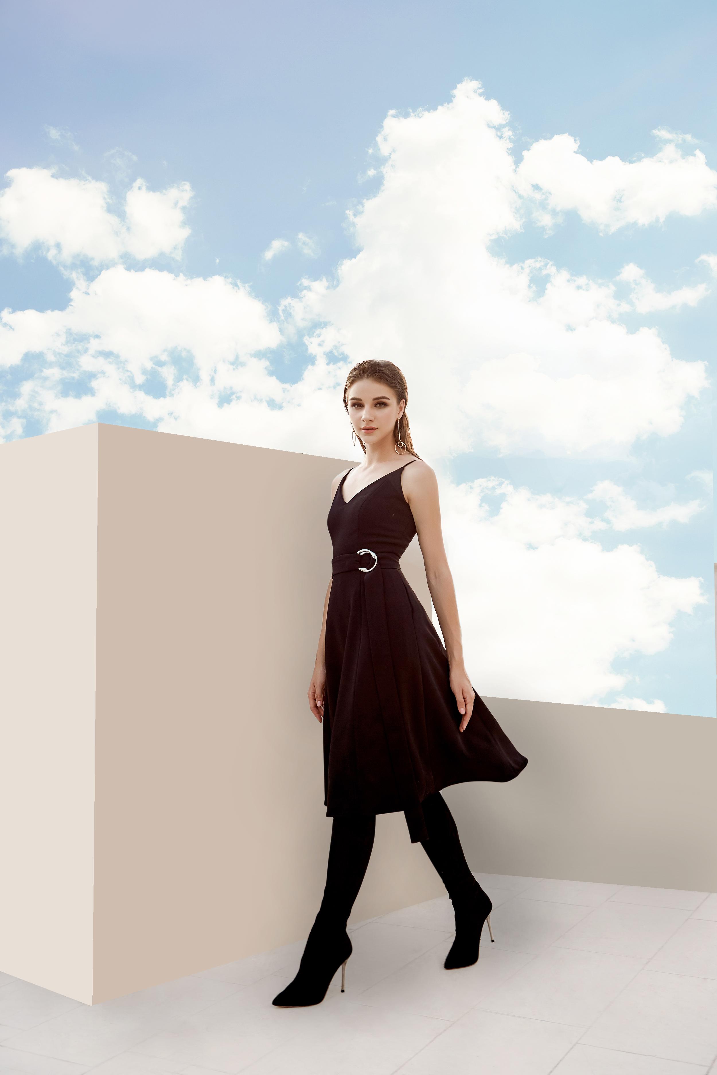 V818 - Váy đầm midi tiểu thư thiết kế 2 dây 7 mảnh xòe - Đen, Pink coral - Bely