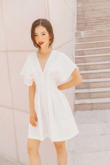 V605 - Váy đầm chiết ly eo dáng ngắn cách điệu thiết kế 2 túi dọc sườn - Đen, Trắng - Bely