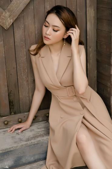 V561 - Váy đầm ôm A cổ vest thiết kế tạo khối 2 bên - Đen, Be - Bely