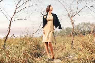 V789 - Váy đầm bút chì cổ tim sát nách thiết kế xẻ đùi 1 hàng khuy - Be, Đen - Bely