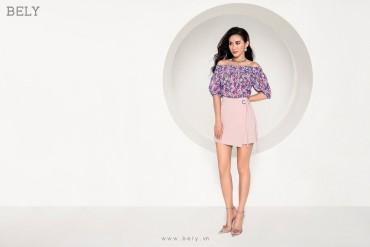 A837 - Áo kiểu trễ vai, chun cổ thiết kế tay cộc bồng - Trắng, In hoa tím - Bely