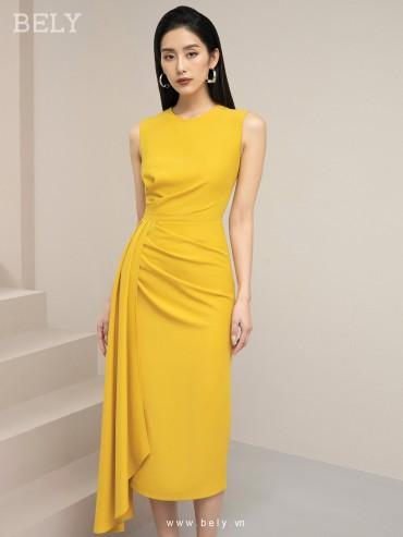 V875 - Váy đầm ôm bút sát nách thiết kế tà bay bất đối xứng - Vàng , Đỏ - Bely
